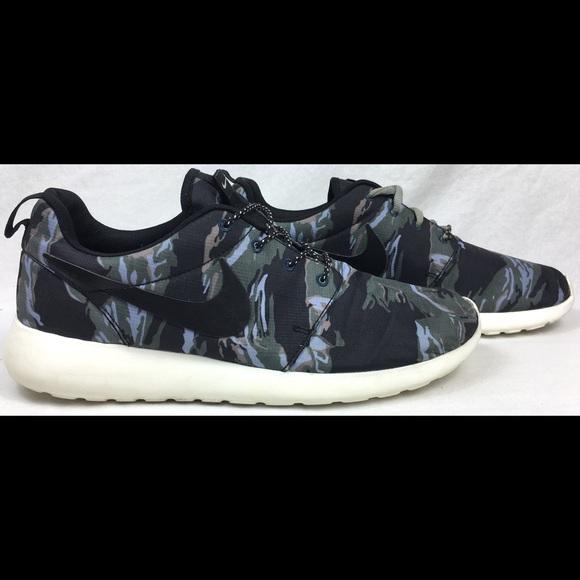 aa8d1cac22 Nike RosheRun GPX Black Sail Camo Shoes Size 10. M 5ab084f885e605cc5e7715a3